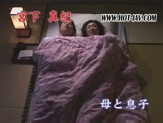 【翔田千里 宮下真紀】息子が初体験を迎えることに嫉妬した熟女母、近親相姦。