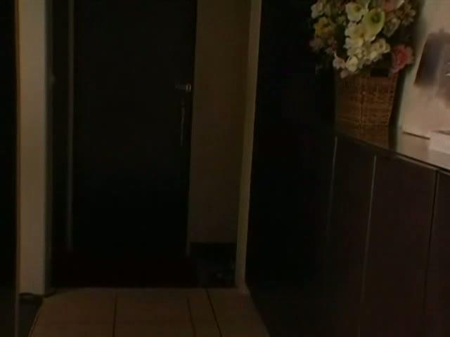 ギャルの盗撮無料rezu動画。ルームシェアしてるビッチギャルが部屋でオナってるとこ盗撮ww