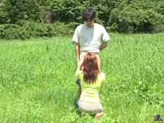 【淫乱妻】 さわやかな青空の下でフェラ&手コキ抜きしてくれる淫乱三十路妻さん♪ (FC2動画)