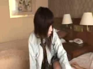 さわやかイケメンボーイ鈴木一徹くんが女子校生の制服をずらしハメる激エロ着衣セックス!ウブなおまんこを優しく突きあげる!